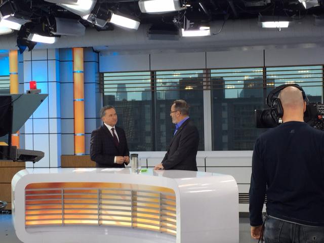 Le président de la FTQ, Daniel Boyer, en entrevue fait le point sur les négociations du secteur public le 1er décembre 2015 à la suite de la conclusion de quatre ententes de principe pour le personnel professionnel et de soutien de la FTQ à quatre de ses six tables sectorielles dans le secteur de l'éducation.