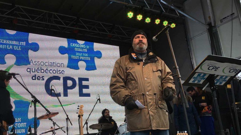 Le président de la FTQ, Daniel Boyer, était présent au rassemblement pour la sauvegarde CPE à Montréal le 7 février 2016.