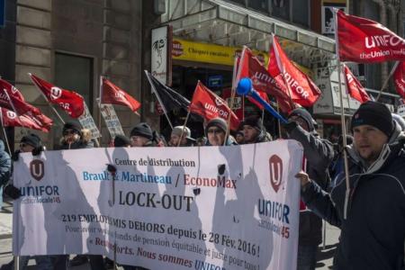 Manifestation pour l'interdiction des clauses orphelin dans les régimes de retraite le 4 avril 2016