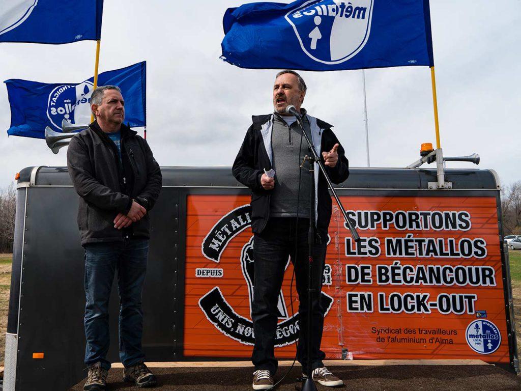 Le président de la FTQ rencontre les travailleurs en lock-out de l'aluminerie ABI de Bécancour