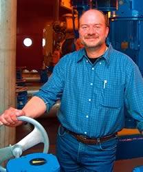 Claude Therrien, membre du SCFP, secteur municipal, siège au nom de la FTQ à un sous-comité technique sur la formation d'Emploi-Québec.