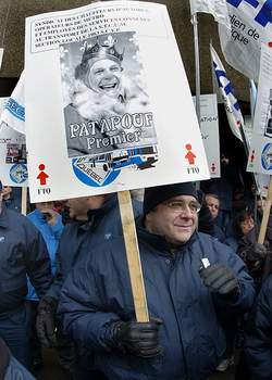 Un manifestant qui affiche clairement ses couleurs! <br> <br>Photo Didier Debusschère