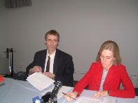 Réal Leboeuf, président de la section locale 687 (TVA) et Nathalie Blais, vice-présidente-information en conférence de presse pour dénoncer le démantèlement du service des sports.