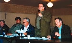 Michel Arsenault, directeur québécois des Métallos,  s'adresse à l'assemblée générale des membres de la section locale 6086 de son syndicat. À sa droite, Jean d'Arc Beaudin était alors président du syndicat local. Il est décédé le 7 janvier dernier.
