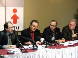 De gauche a droite : Richard Goyette, Henri Massé, Michel Arsenault, Pierre Dupuis