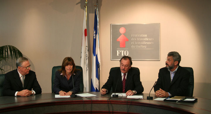 Photo de la conférence de presse.