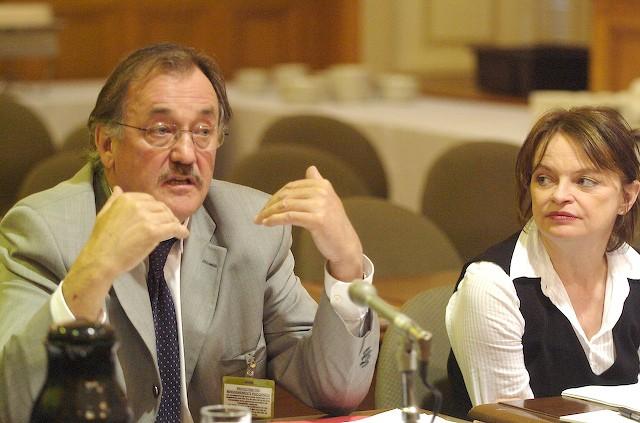 Le président de la FTQ Henri Massé et Monique Audet, économiste à la FTQ