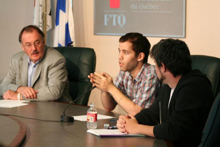 Conférence de presse des auxilières de recherches et d'enseignement en compagnie du président de la FTQ Henri Massé
