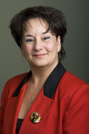 Photo de la vice-présidente de la FTQ, Lucie Levasseur.