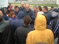 Le président Michel Lauzon et des membres de l'exécutif font la tournée des lignes de piquetage.