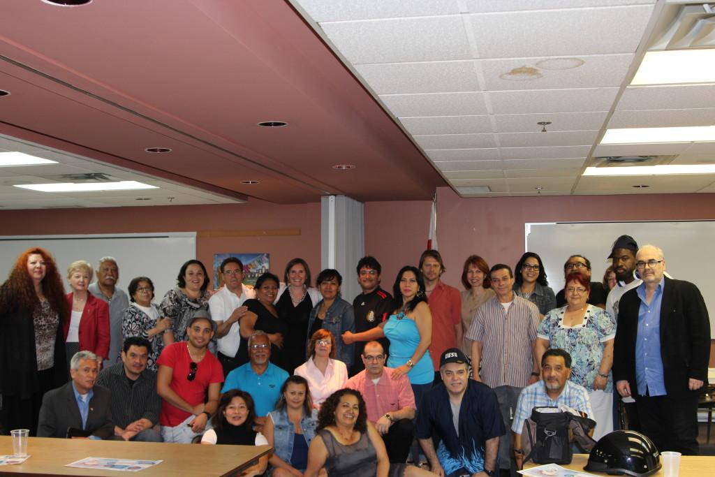 Plusieurs participants et participantes ont profité de l'occasion pour livrer des témoignages touchants à leur professeur et à leur syndicat qui leur ont permis de mieux s'intégrer au travail et dans la société québécoise par l'apprentissage du français.